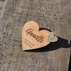 Badge bois, mariage, sur mesure, prénom, paillette, coeur-3