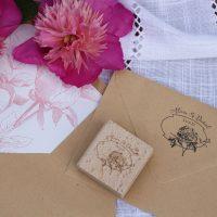 Enveloppe, tampon, pivoine, botanique, rose, papier kraft, recyclé, angers, laval, mayenne, anjou, spiritus naturae